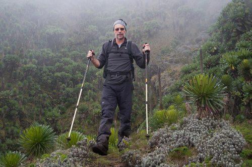 Primates & Volcanoes Trekking (Fly-in)